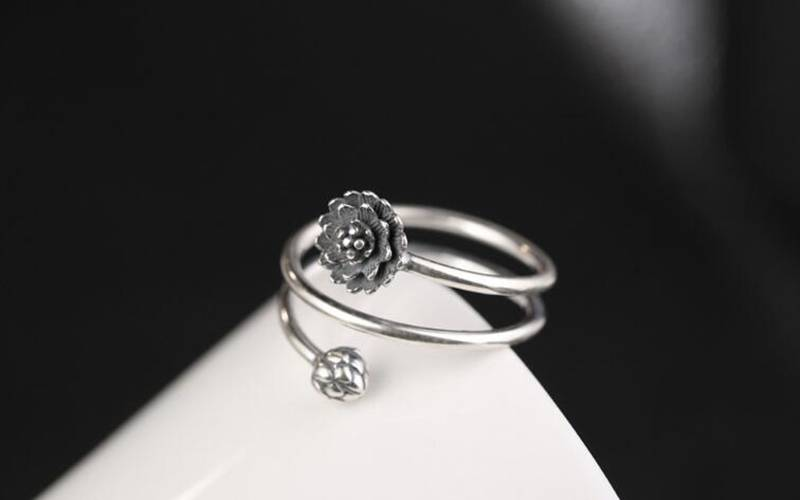 Lotus Flower New products Promotions 925 Sterling Silver Lotus Rings Creative Flower Simple Fashion Jewelry For Women VRS2307 Ring Size : Resizable